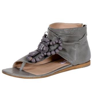 серые сандалии от Fabi
