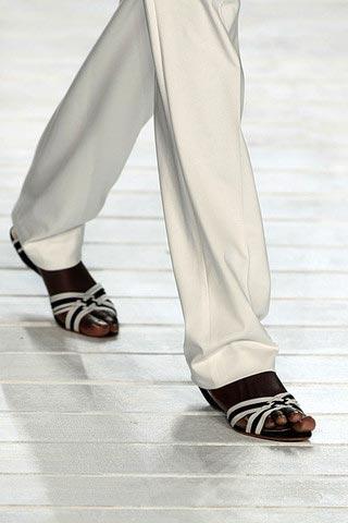 обувь от Lacoste