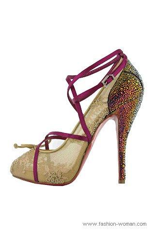 кружевные туфли от Christian Louboutin