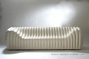 белый диван от Версаче