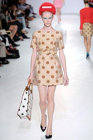 платье в горошек от Luella
