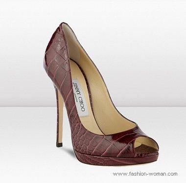 бордовые туфли на шпильке