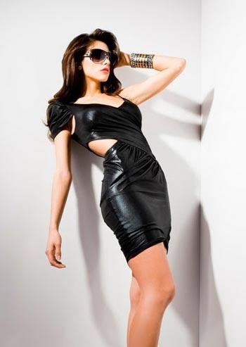 платье из коллекции Kardashians By Bebe осень-зима 2010-2011