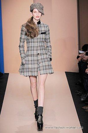 Модное пальто от DKNY