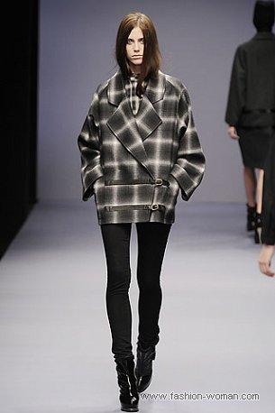 Короткое осеннее пальто от Jaeger London