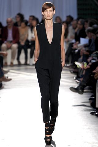 черный комбинезон от Givenchy