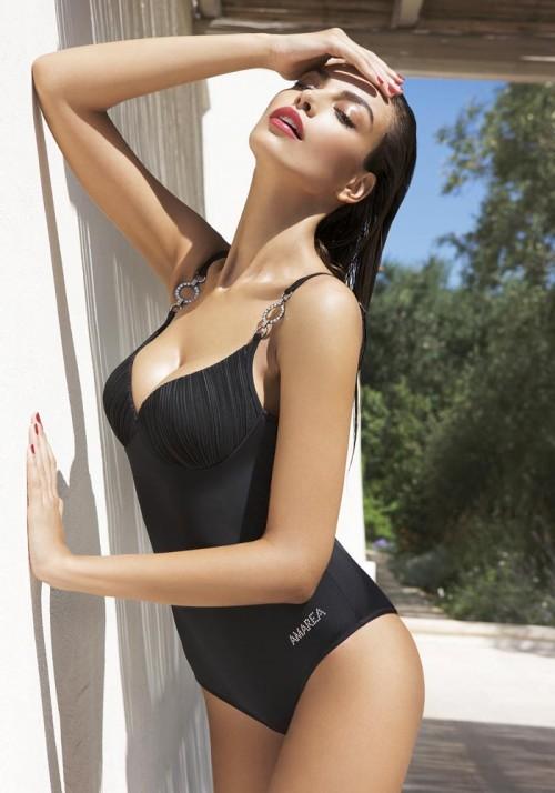 черный слитный купальник от Amarea лето 2010