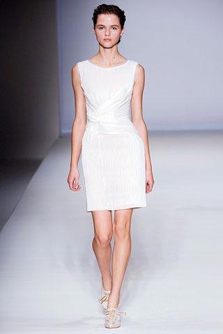 белое платье от Alberta Ferretti