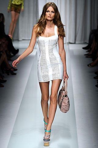 белое мини-платье от  Versace