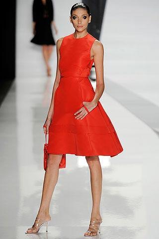 красное платье от Chado Ralph Rucci