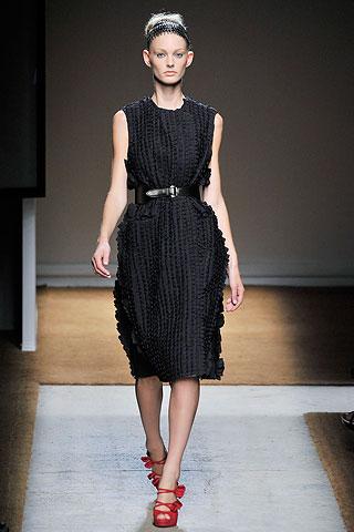 Маленькое черное платье  от Yves Saint Laurent