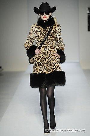 Модная шуба от Москино