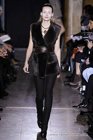 Модный меховой жилет от Costume National