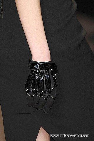 перчатки с камнями от Elie Saab