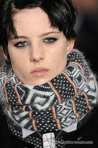 Модный шарф с норвежским узором