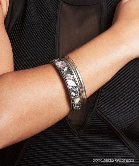 модный браслет от Kim Kardashian