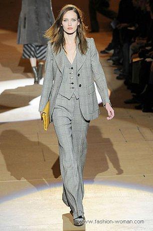 Брючный костюм в мужском стиле от Marc Jacobs