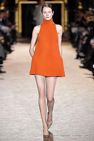 Трикотажное мини-платье