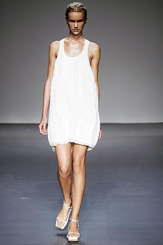 белый сарафан от Calvin Klein