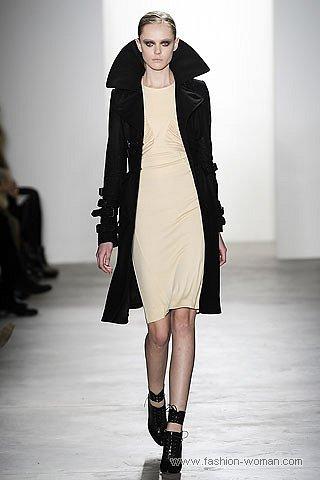 модный черный плащ осень 2010