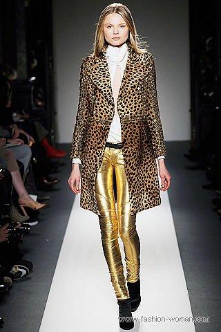 плащ с леопардовым принтом от Balmain