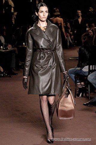 модный кожаный плащ от Loewe осень 2010