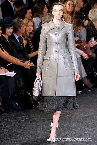 кожаный плащ от Louis Vuitton