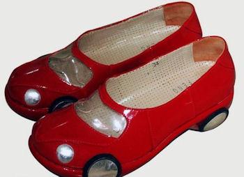 красные автомобильные туфли