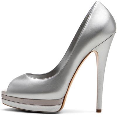 серебристые туфли от  Casadei