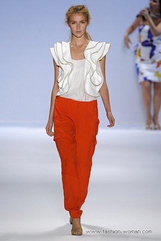 модные оранжевые брюки весна-лето 2011