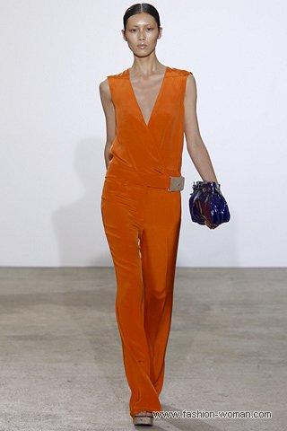 модный оранжевый комбинезон весна-лето 2011