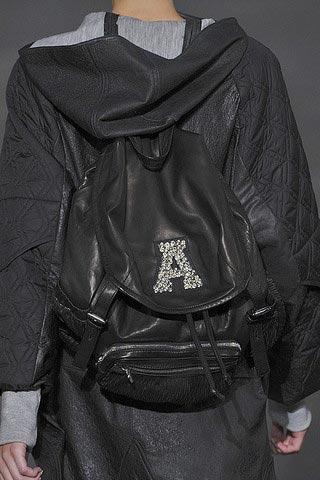 черный рюкзак от alexander wang
