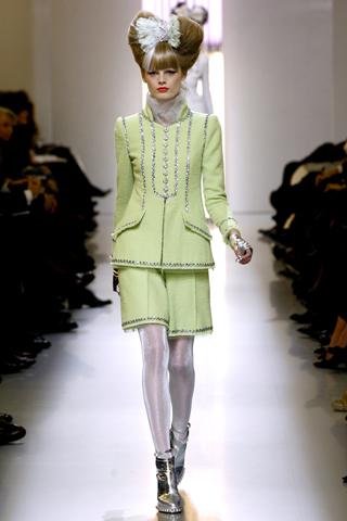широкие шорты со стрелками от Chanel