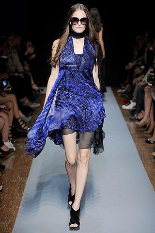синее платье от Costume National
