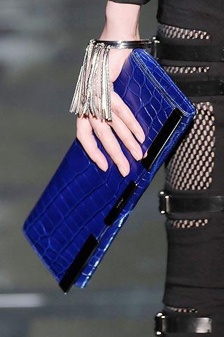 синий клатч