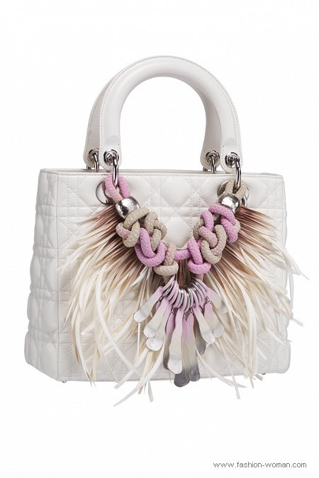 Белая сумка от Christian Dior