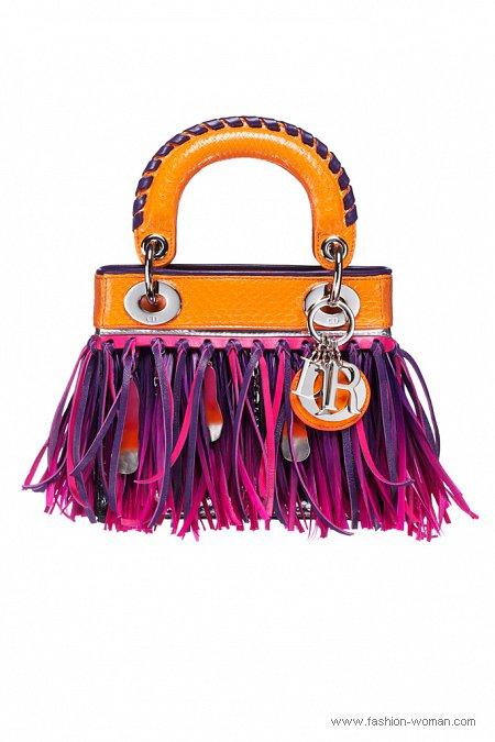 сумка с бахромой  от Christian Dior весна-лето 2011