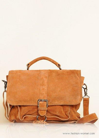 бежевая замшевая сумка от Mango