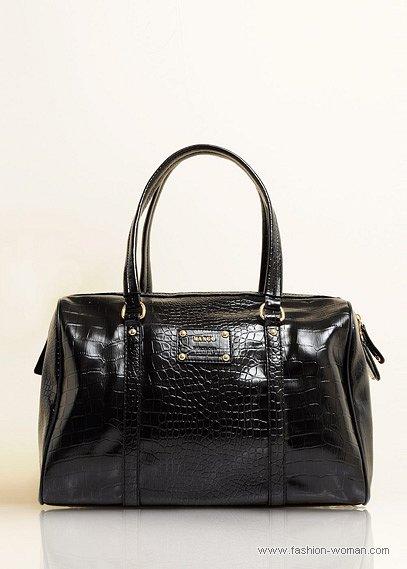черная сумка из кожи рептилий