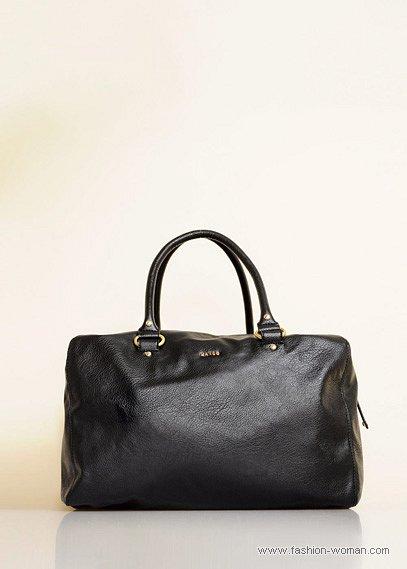 черная сумка с двумя ручками от Mango
