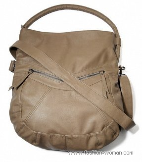 Объемная бежевая сумка