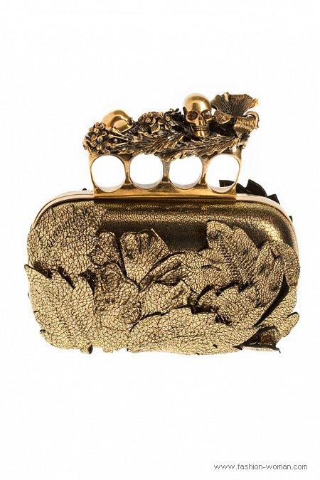 Золотой клатч от Alexander McQueen