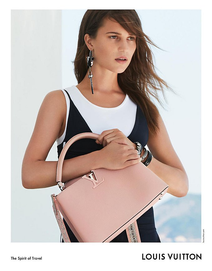 Алисия Викандер в рекламной кампании круизной коллекции Louis Vuitton фото №3