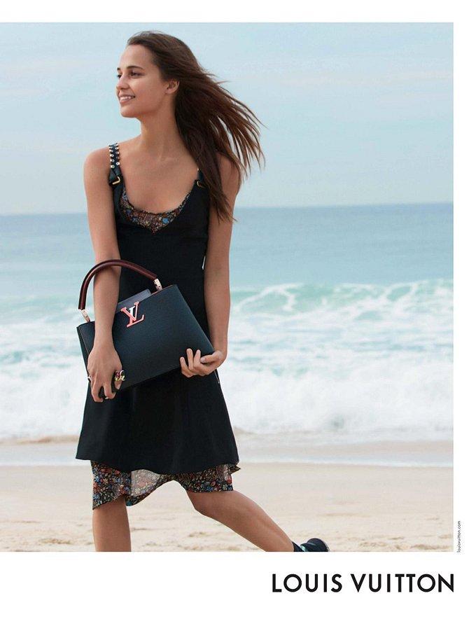 Алисия Викандер в рекламной кампании круизной коллекции Louis Vuitton фото №7