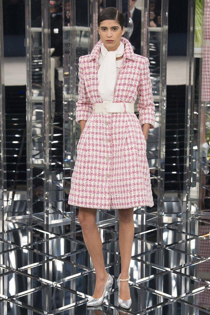 Новая коллекция платьев chanel купить кардиган женский дорого
