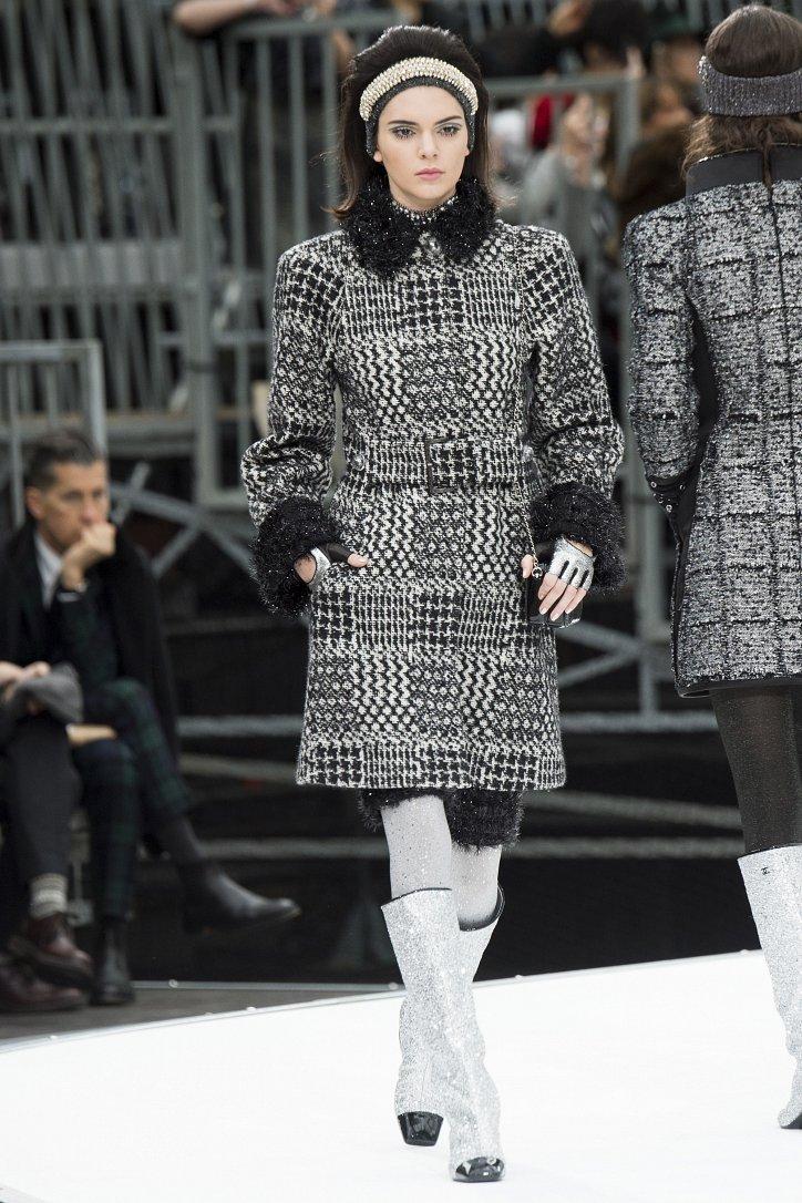 Chanel осень-зима 2017-2018 фото №22