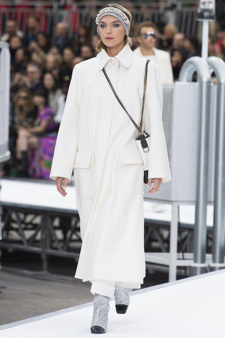 Chanel осень-зима 2017-2018 фото №38