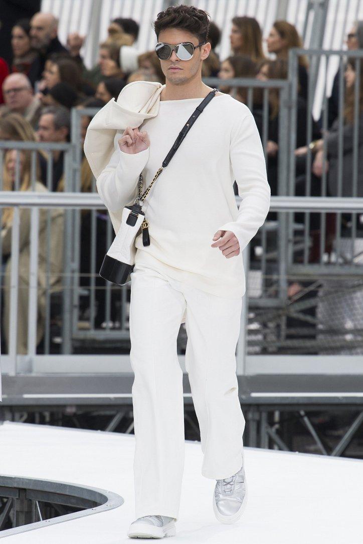 Chanel осень-зима 2017-2018 фото №40