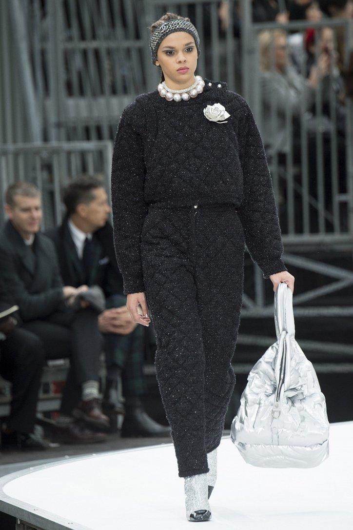 Chanel осень-зима 2017-2018 фото №73