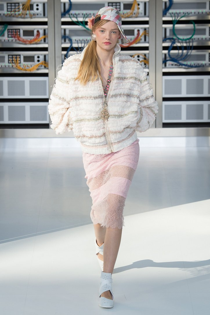 Chanel весна-лето 2017 фото №74